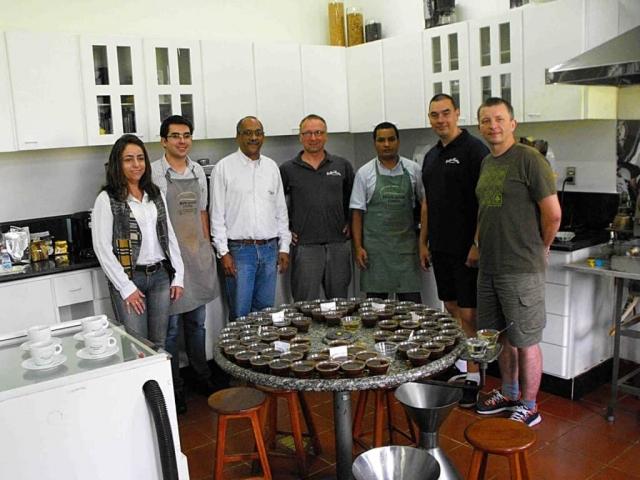 Cupping w Brazylii – Wraz z naszymi klientami wybieraliśmy najlepsze kawy w trakcie cuppingu na plantacji Monte Alegre.